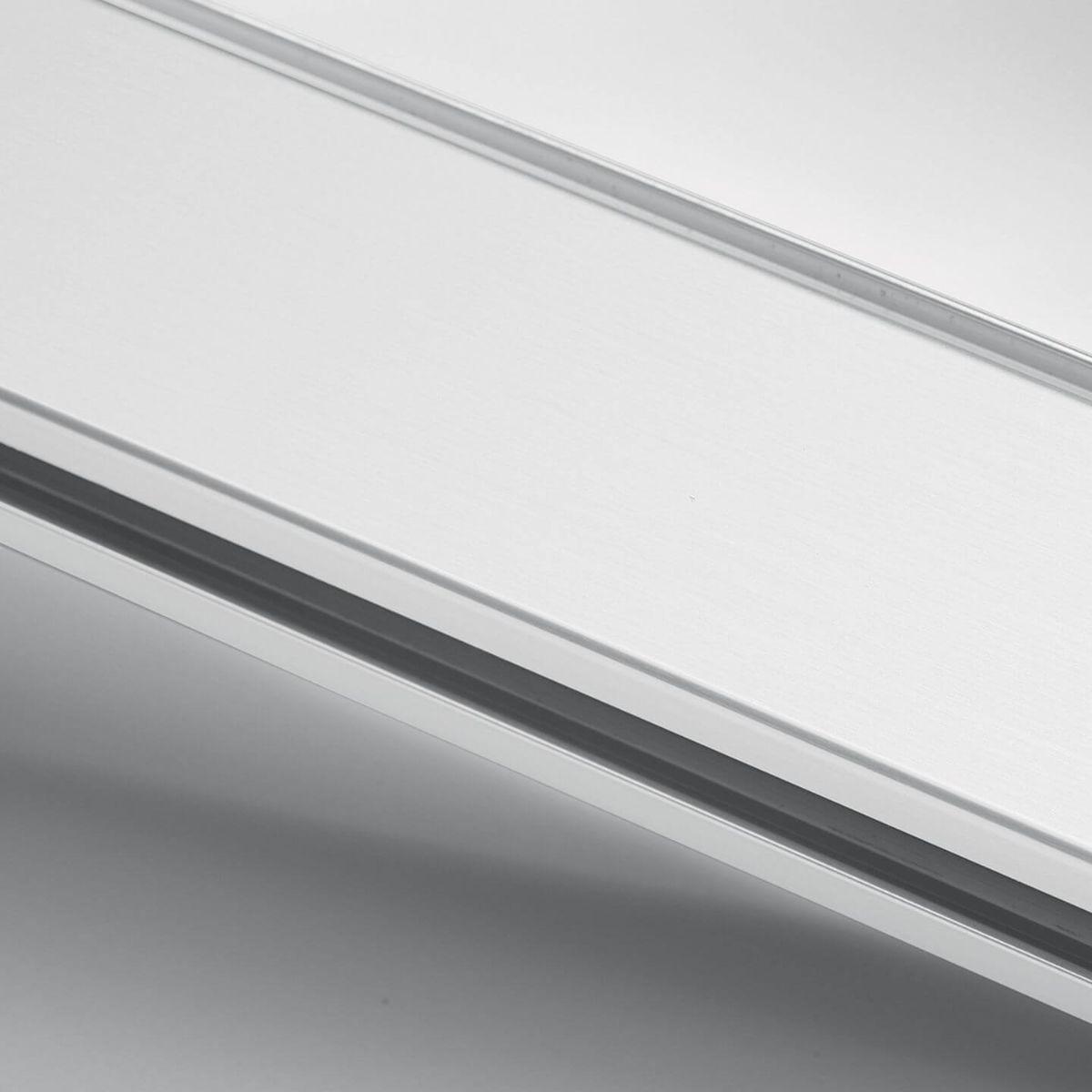 White painted aluminium finish for glass walls