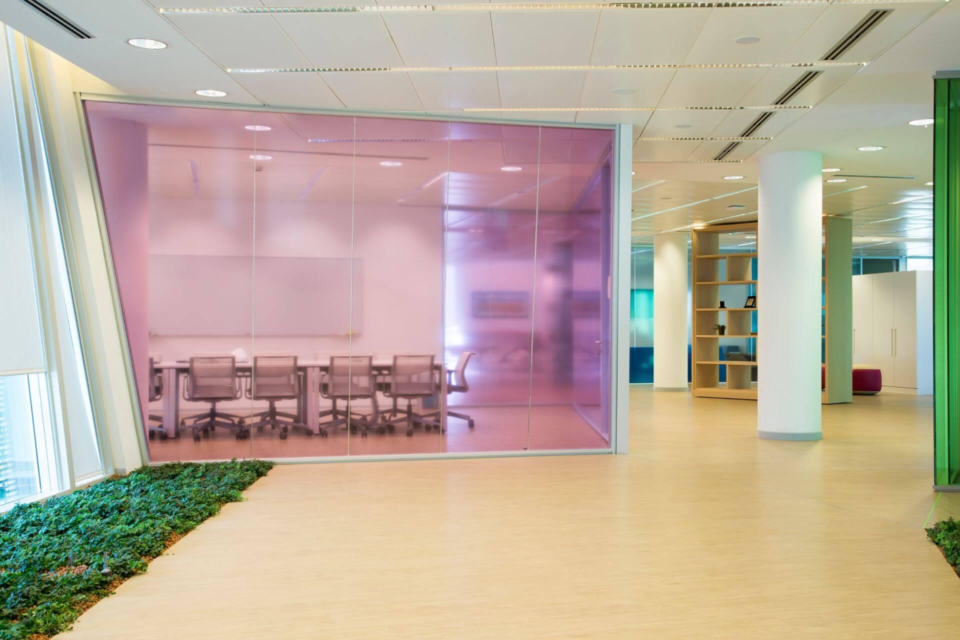 Pareti Divisorie In Vetro Colorato astellas offices colored glass partition walls | vetroin