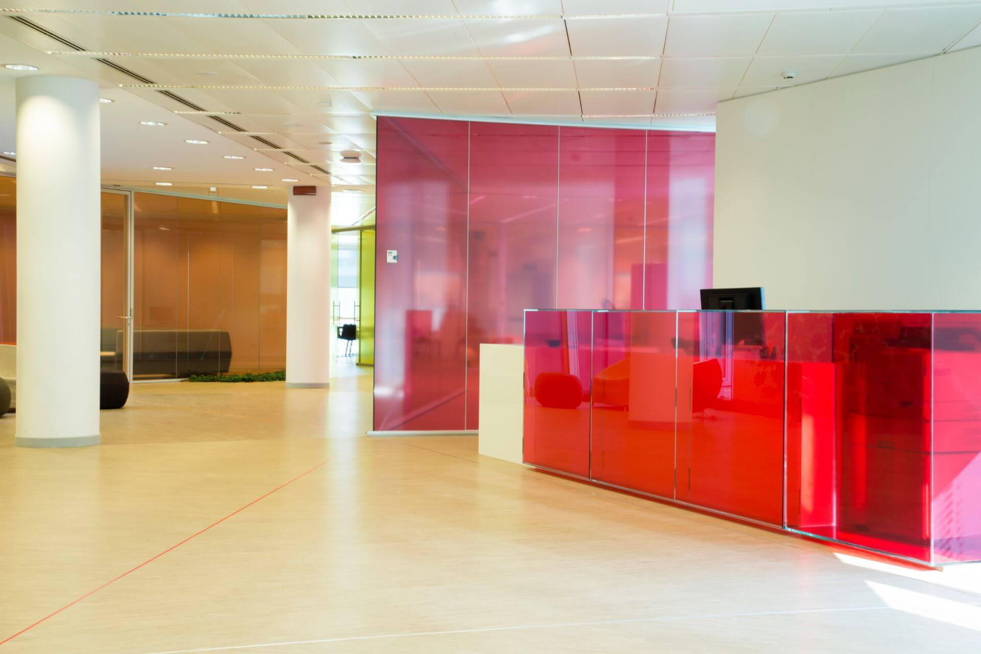 Pareti Divisorie In Vetro astellas offices colored glass partition walls | vetroin
